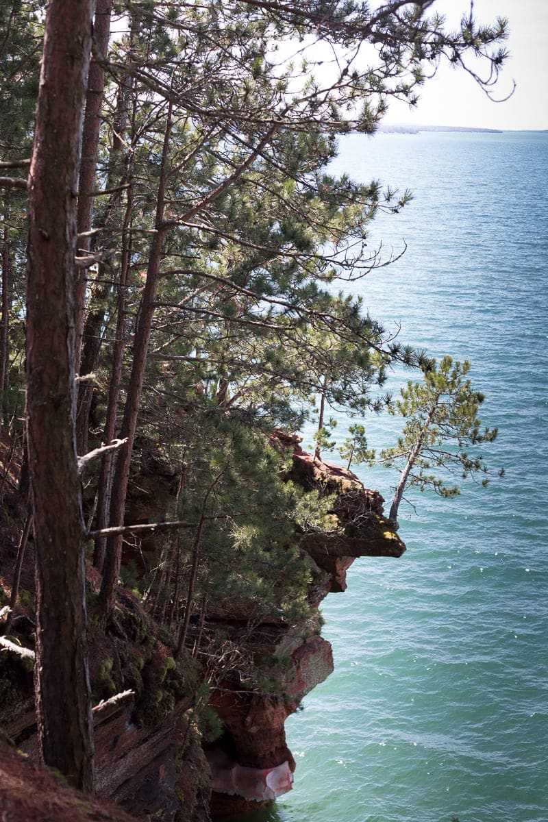 THE BEST Places To Hike In Bayfield: 10 Wisconsin Trails in Bayfield County that make for a perfect adventure #bayfieldwi #hiking *Love this list and the helpful tips for hiking the Meyers Beach Lakeshore Trail
